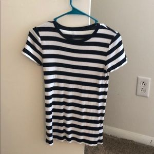 Striped GAP T-shirt
